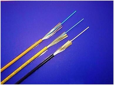 金属加强构件、光纤带骨架填充式、铝-聚乙护套、纵包皱纹钢带铠装、阻燃聚烯烃护套通信用室外光缆